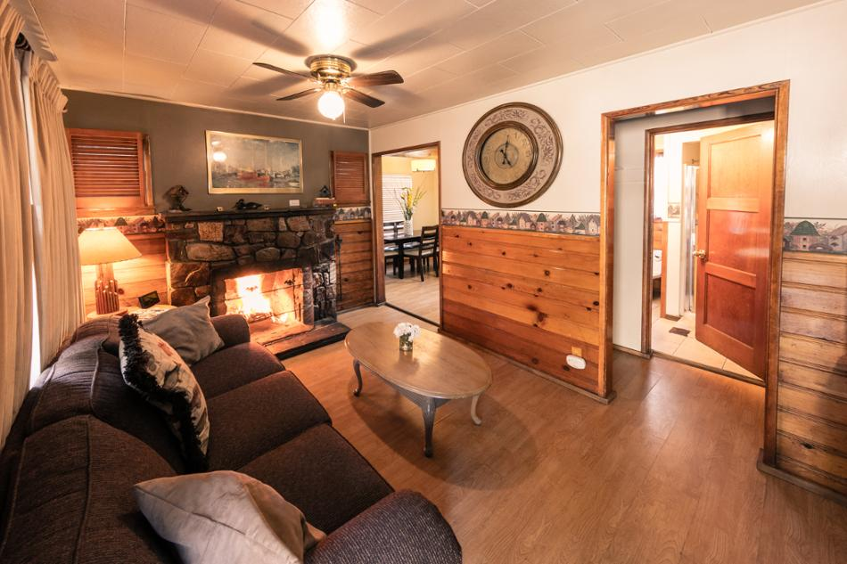 [6] Woodchuck Vacation Rental in Big Bear Lake, California