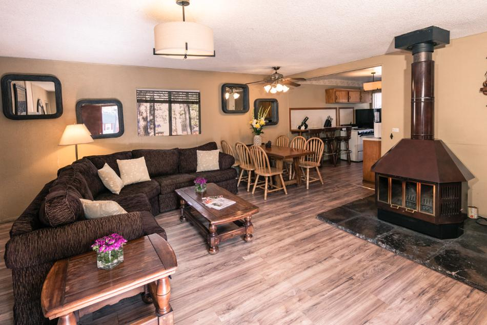 [8] Otter  Vacation Rental in Big Bear Lake, California