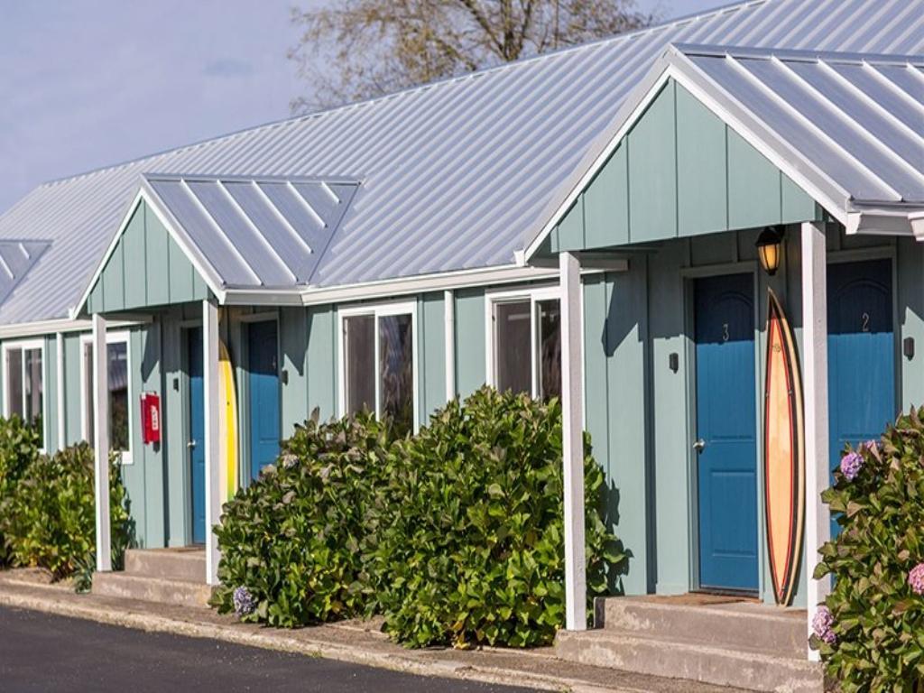 7 Longboard Surf Inn Pacific View Lodging